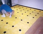 床部:既存床解体後GW+防振インシュレーター組み込み