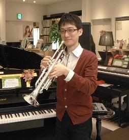 https://www.shimamura.co.jp/cms/media/101/20160322-TPyamamoto2.jpg