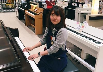 ピアノ担当:西村