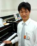 鈴木(ピアノシニアアドバイザー)