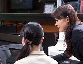 電子ピアノ専門スタッフ佐々木