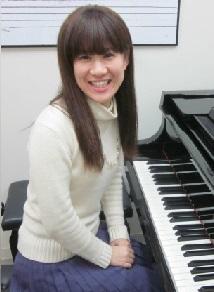 ピアノ講師 森須奏絵