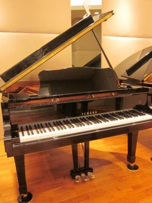 ヤマハ中古グランドピアノ C2L