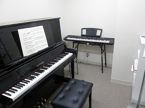 ピアノサロン レッスン室