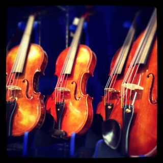 チェコから、伝統ある良質なバイオリンが入荷
