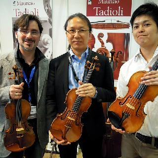 毎年来日し、顧客との交流を深めているMaurizio Tadioli氏 島村楽器横浜みなとみらい店