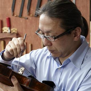 茂木顕:日本人で数少ないドイツバイオリン製作マイスターの資格を取得 島村楽器川崎ルフロン店