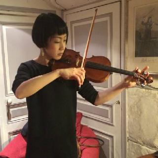 バイオリンインストラクターが音質テストを行って買い付け 島村楽器横浜みなとみらい店