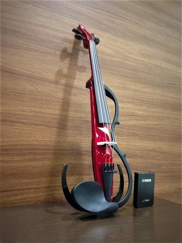 より生音感が増した新しいサイレントYSV104展示中 島村楽器みなとみらい店