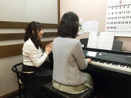 ピアノサロン小林レッスン風景