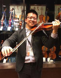 バイオリンインストラクター五十川