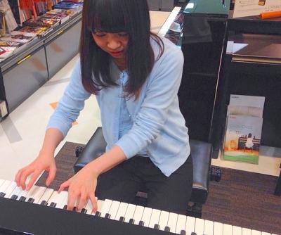 ピアノインストラクター柘植