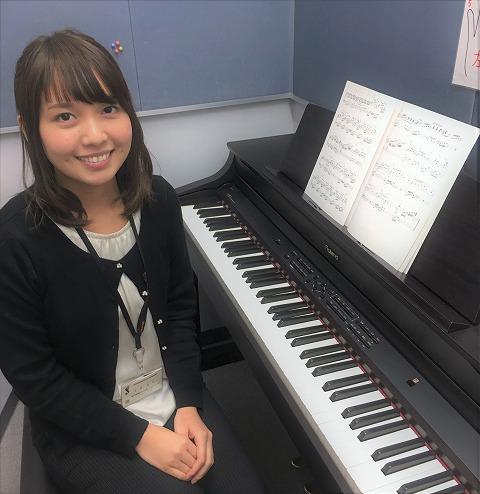 ピアノインストラクター:吉岡美帆
