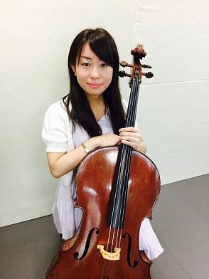 奈良店チェロ科講師山内先生の写真