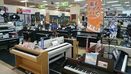 電子ピアノコーナーには、26台並んでます