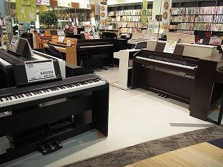 大日店ピアノコーナー