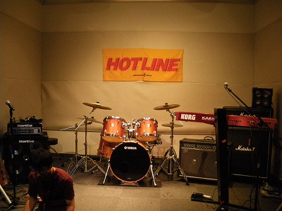 HOTLINE会場
