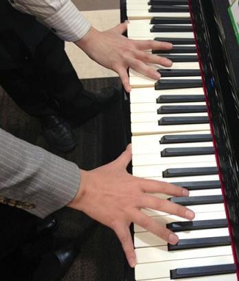 ドラマー&ピアニスト
