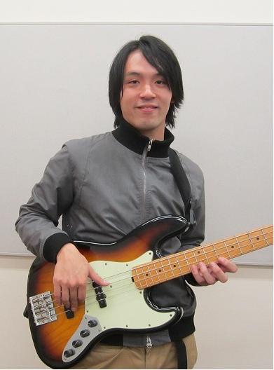 エレキベース鴻野暁司先生