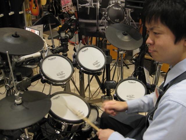 ドラム担当穴吹