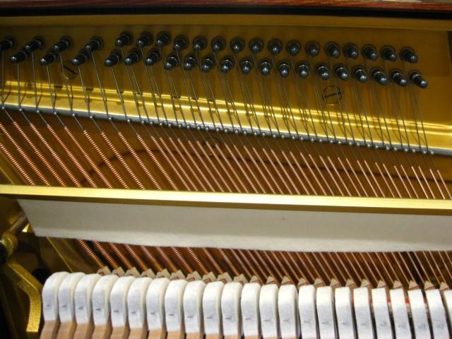 アップライトピアノの低音