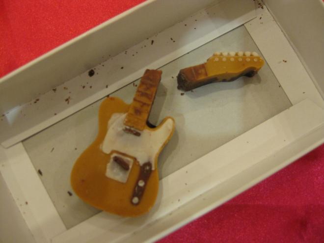 シリコントレーギターチョコ3