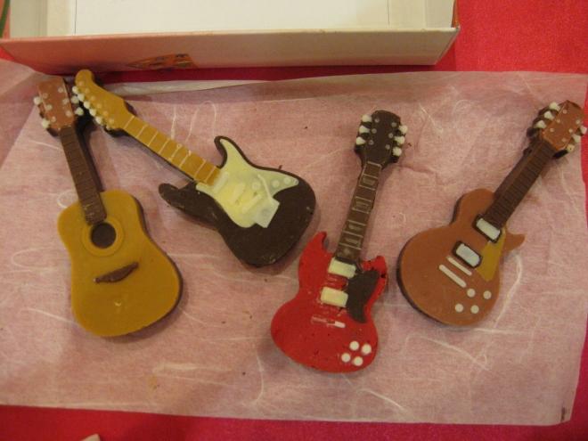 シリコントレーギターチョコ4
