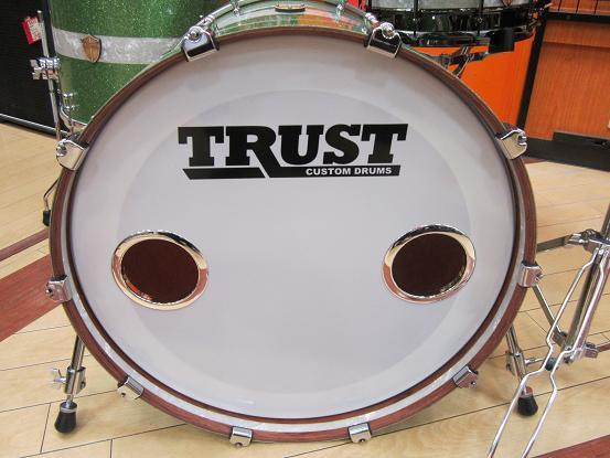 TRUST バスドラム フロントヘッド