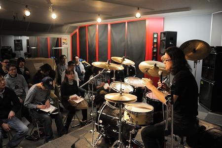グルーブについての説明 Photo by YUTAKA NARASAKI