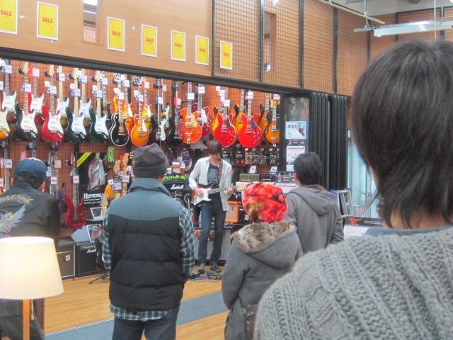 島村楽器 利府店 V-Guiter ギターシンセ