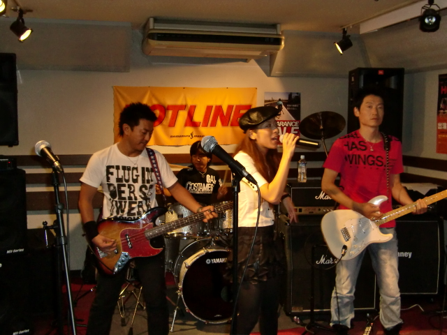 8月23(日) HOTLINE 川口グリーンシティ店ライブ 「Breast BEAM」