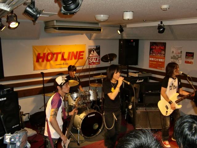 8月23(日) HOTLINE 川口グリーンシティ店ライブ 「HEATZ」
