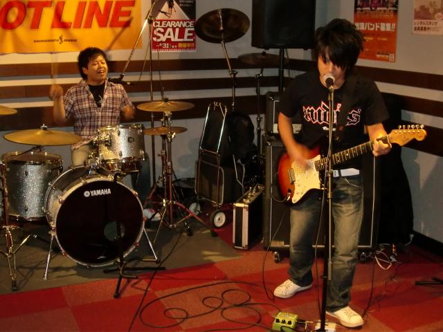 8月23(日) HOTLINE 川口グリーンシティ店ライブ 「セツナリズム」