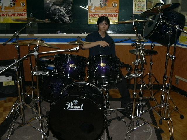 ドラムさんです
