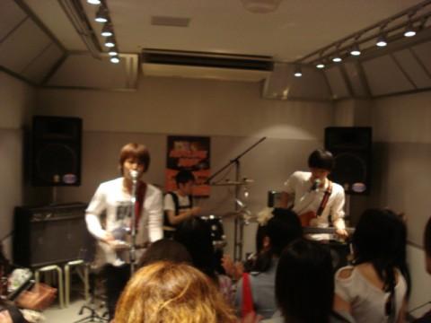20100702-action.jpg