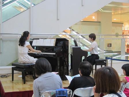 ピアノのレッスンやっています!