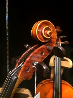 バイオリンスクロール