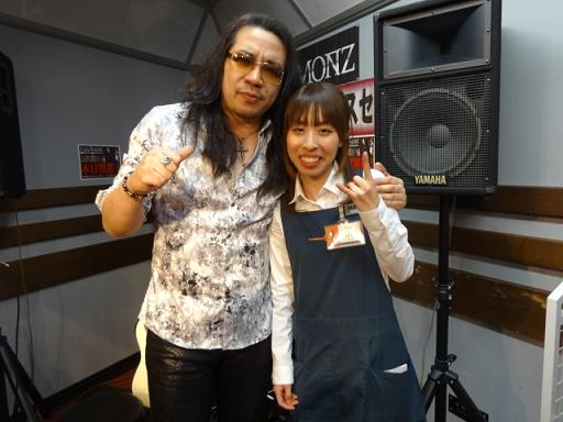 ケリーさんと島村楽器松本店イベント担当和田