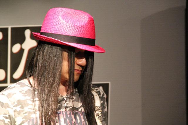 帽子もピンク