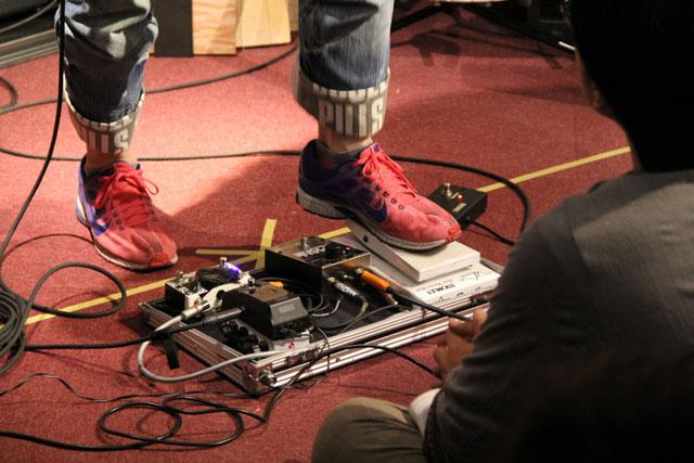 靴もピンク
