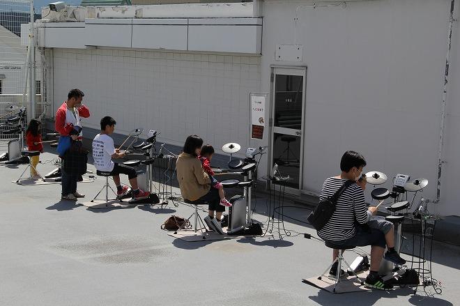 電子ドラム体験コーナー