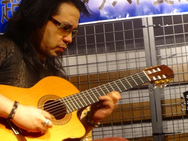 クラシックギター弾きまくり!
