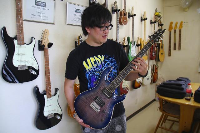 2014年夏 T's Guitarsにて