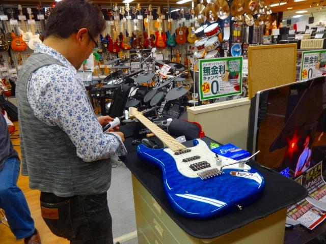 T's Guitars調整会