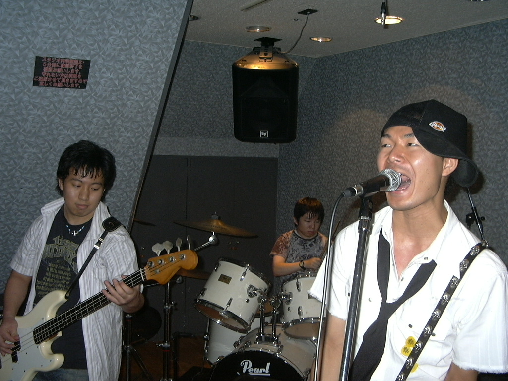 hisa with といれっとぺーぱーさん
