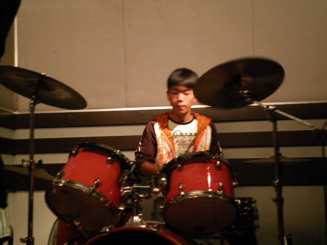 弾けるドラム!