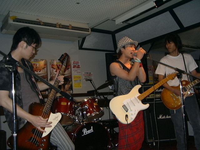 20070815-ACT_live.JPG