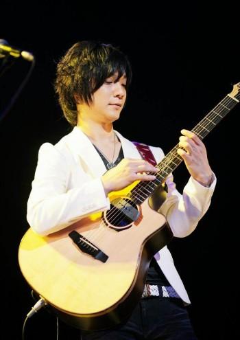 島村楽器イオンモール鈴鹿松井祐貴ソロギターYOKOYAMA-GUITARS