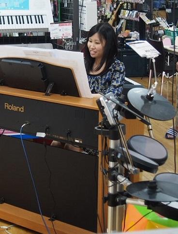 ピアノ 澤村インストラクター