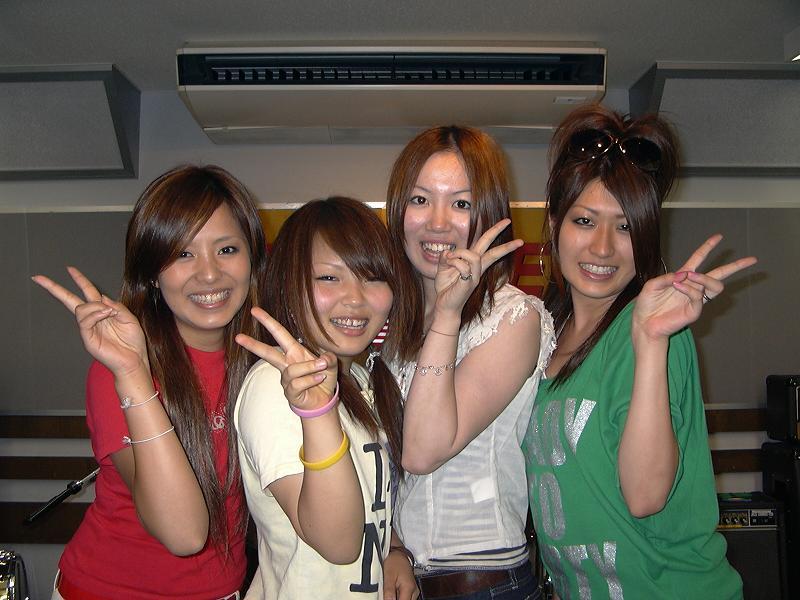 20071009-CANCAN3.JPG
